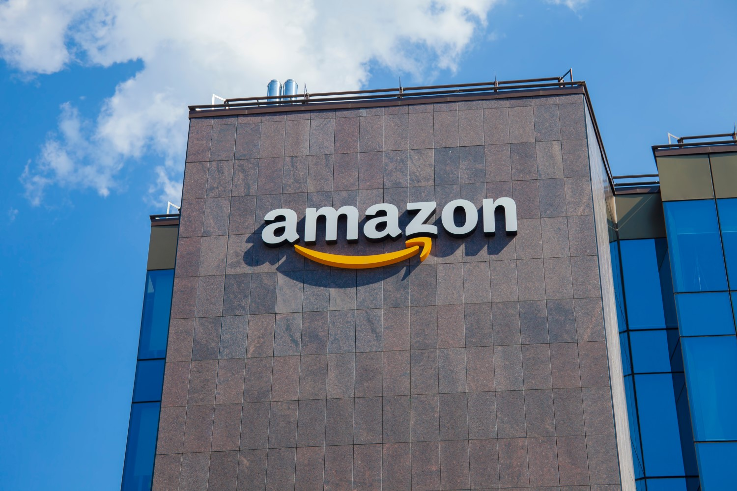 With New Roles in Amazon, Walmart and Binance Crypto Industry Gets De Facto Fully Legalized