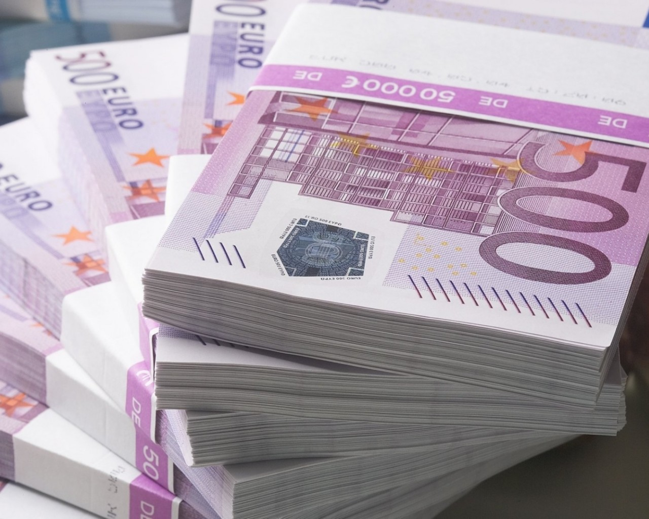 Signs Mounting that Euro Hit a Ceiling