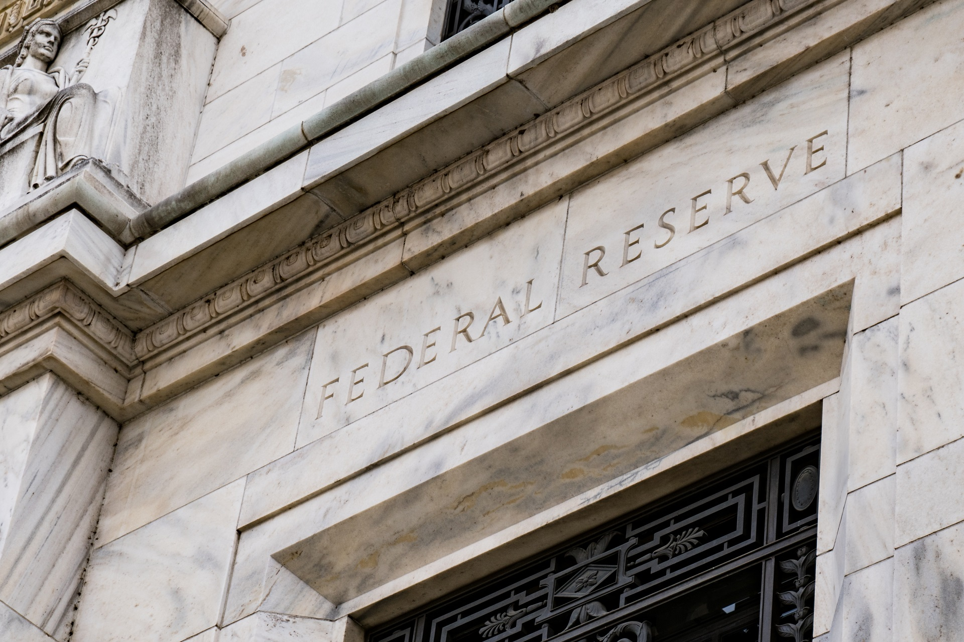 FOMC Aftermath: Fed Insists on Adherence to Ultra-Easy Policy amid Rising Inflation